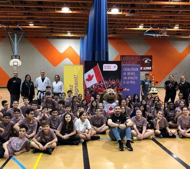 Activités sportives animées par des athlètes de haut niveau pour des élèves d'une école secondaire de Montréal